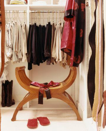 http://www.robertacarlucci.com.br/wp-content/uploads/2009/04/closet-post.jpg
